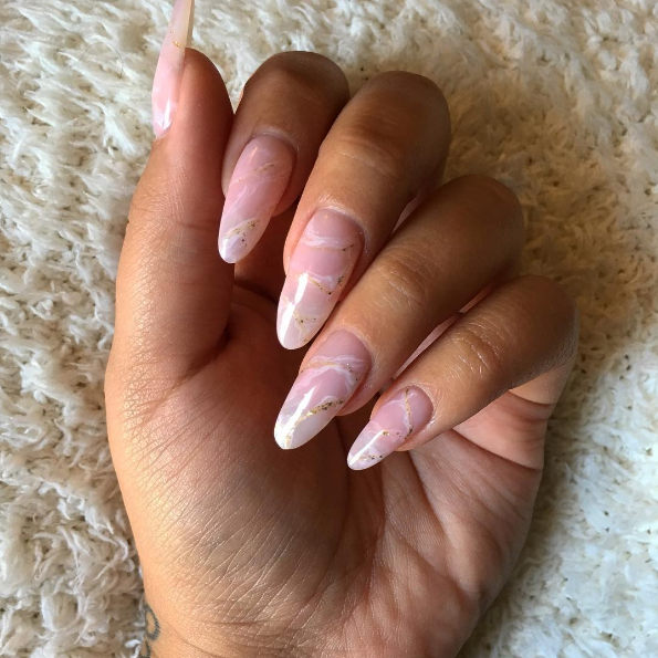 Kwarcowy Manicure Czyli Modny Wzór Na Wiosnę Wizazpl