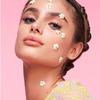 Naklejki na twarzy nowym makijażowym trendem