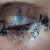Makijaż imitujący płynące łzy