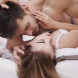 Friends with benefits – czy warto się decydować na taki seks?