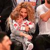Shakira i dwuletni Sasha na meczu koszykówki