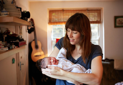mama z noworodkiem