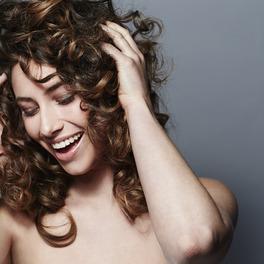 Pielęgnacja kręconych włosów, która nie trwa długo
