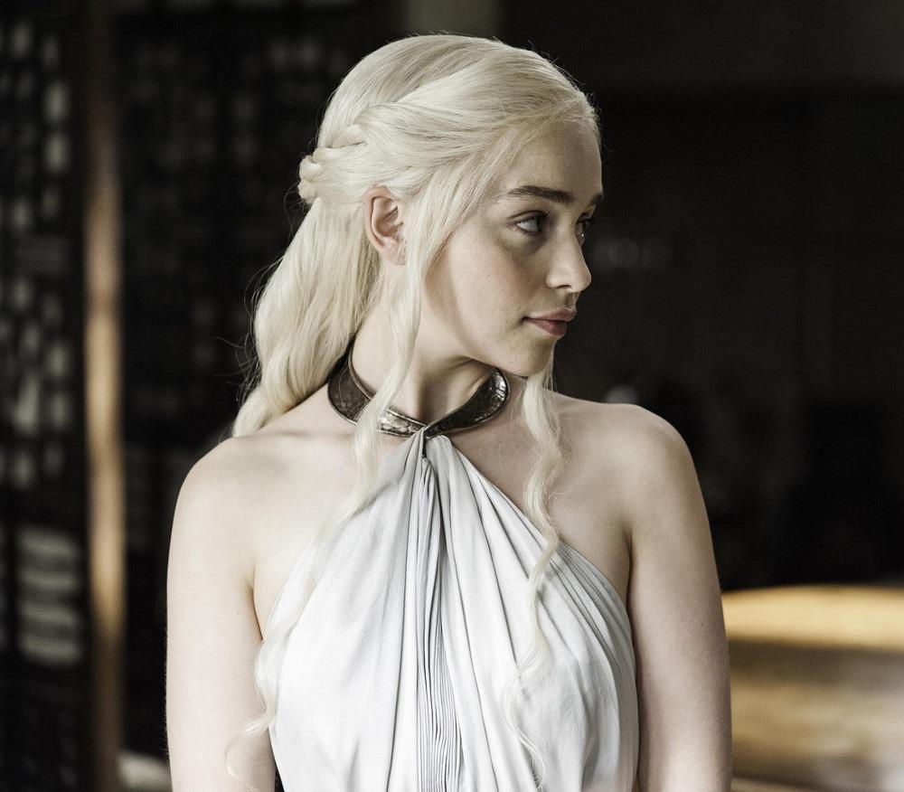 Emilia Clarke Przefarbowała Włosy Wizazpl