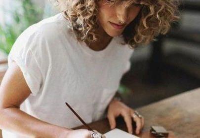 Jak zakręcić włosy na papiloty?