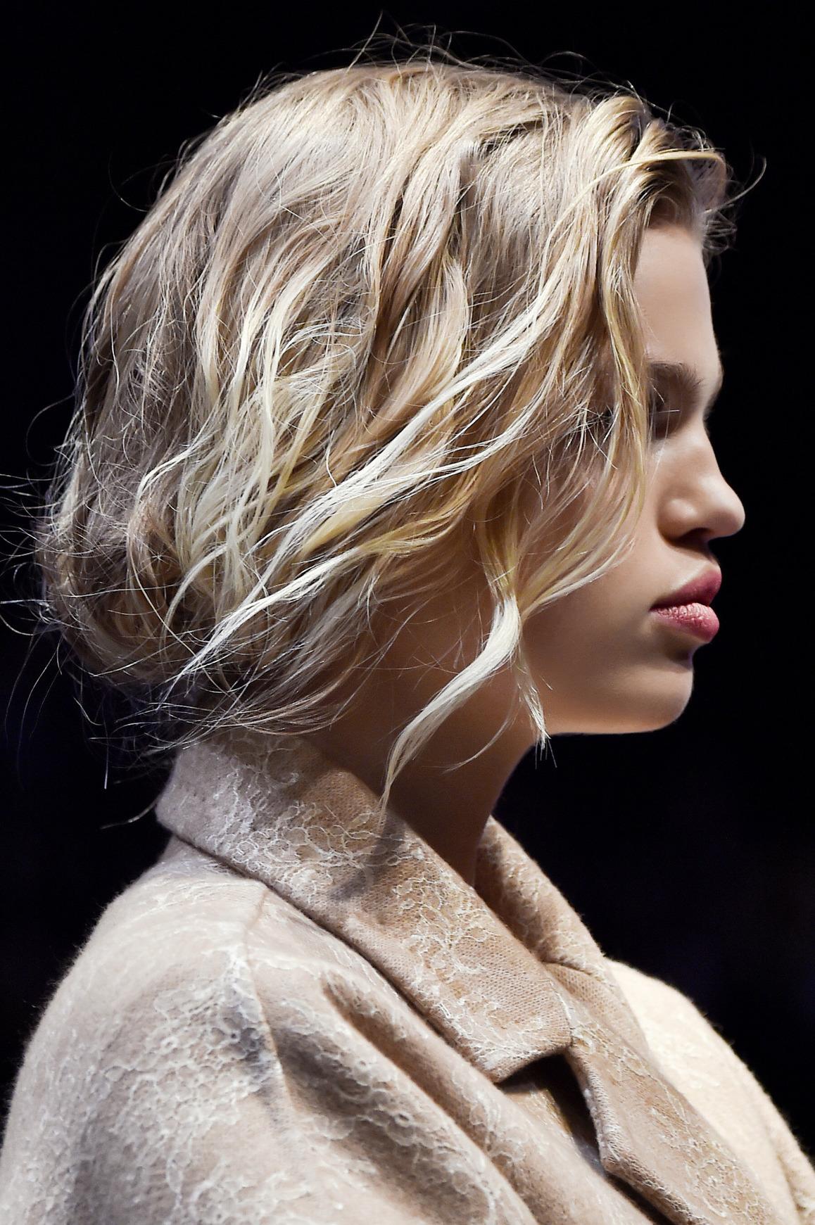 Trendy 2016: Pofalowane Włosy Max Mara