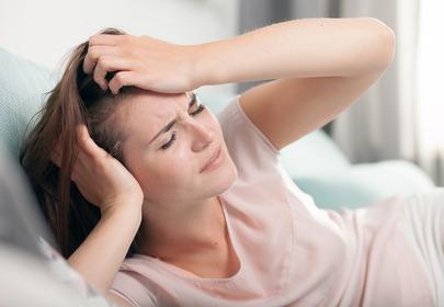 Migrenowe bóle głowy a wiązanie włosów