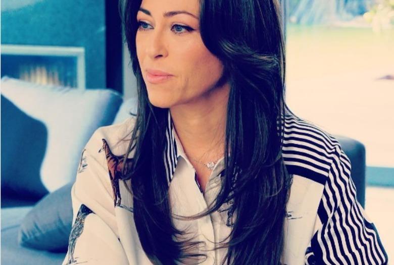 Natali Kukulska w długich prostych włosach