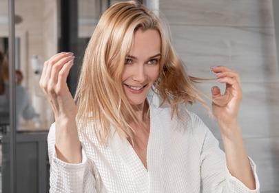 oliwa na włosy właściwości działanie suche włosy zniszczone włosy domowa wcierka domowa maseczka na włosy olejowanie włosów
