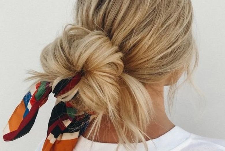 Jak Ukryć Tłuste Włosy Oto Trzy Fryzury Które Ci W Tym