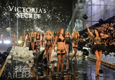 Sposoby na włosy modelek Victoria's Secret