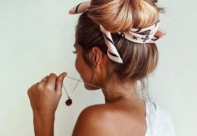 Suchy szampon na objętość włosów [PORADNIK]