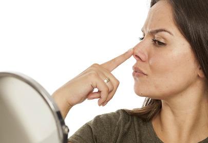 kobieta nos