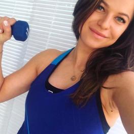 anna lewandowska selfie ćwiczenia fryzura bez makijażu