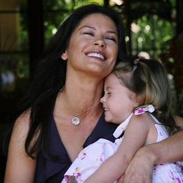 catherine zeta jones z córką carys