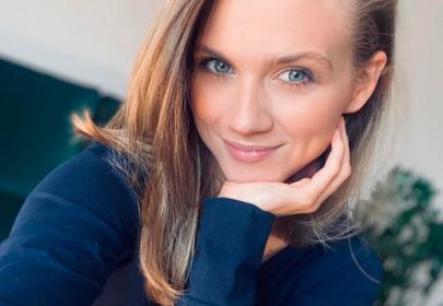 """Fani ostro krytykują Agnieszkę Kaczorowską za przerabianie zdjęć: """"na kwarantannie palce u stóp rosną"""""""