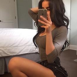 dziewczyna robi seksowne selfie