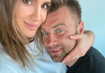 Internautki zarzucają Sarze Boruc, że faworyzuje synka