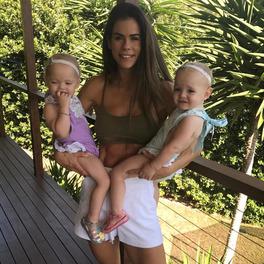 Trenerka fitness, Sophie Guidolin pokazuje, jak wygląda jej figura po urodzeniu czwórki dzieci