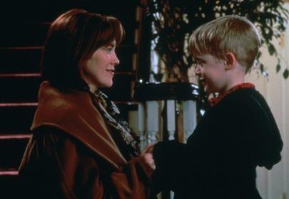 """Pamiętacie mamę Kevina z """"Kevin sam w domu""""? Teraz jest nie do poznania!"""