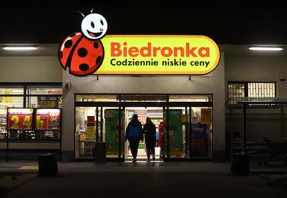 Nocna wyprzedaż w Biedronce
