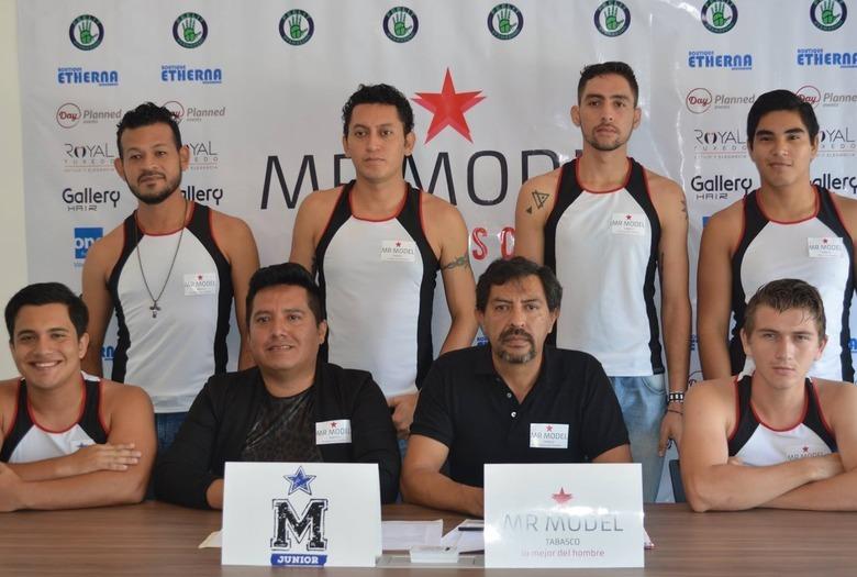 kandydaci do tytułu mistera w konkursie Mr. Model Tabasco w Meksyku
