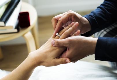 Piercing zamiast pierścionka zaręczynowego