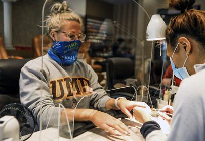 manicure w czasach koronawirusa