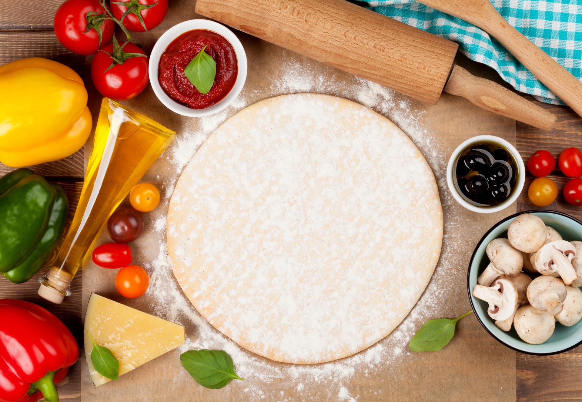 6 błędów, które prawdopodobnie popełniasz przy robieniu domowej pizzy