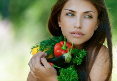 kobieta z warzywami