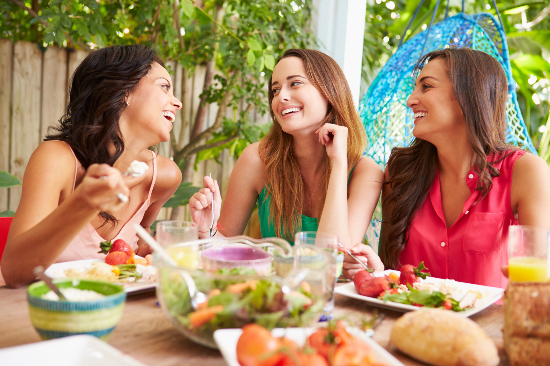 Nowości kulinarne czerwca – idealne na spotkania z przyjaciółmi