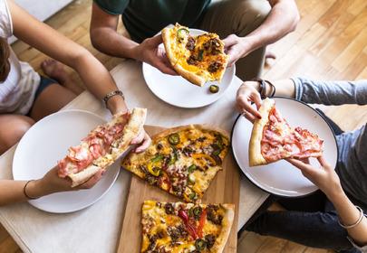 pizza stół