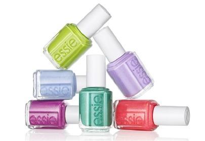 Kolorowe lakiery Essie na wakacje 2013
