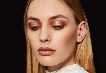 Jak wykonać trwały makijaż? Podpowiadamy, jakich kosmetyków użyć