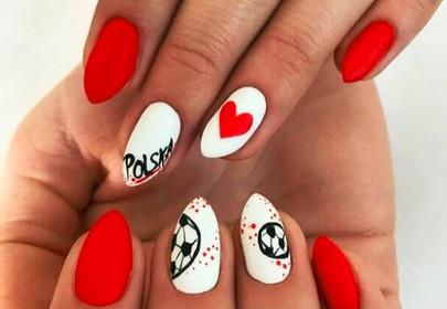biało- czerwone paznokcie