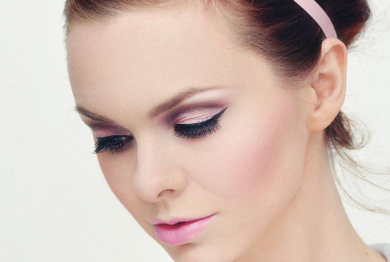 Makijaż w stylu lat 60 krok po kroku