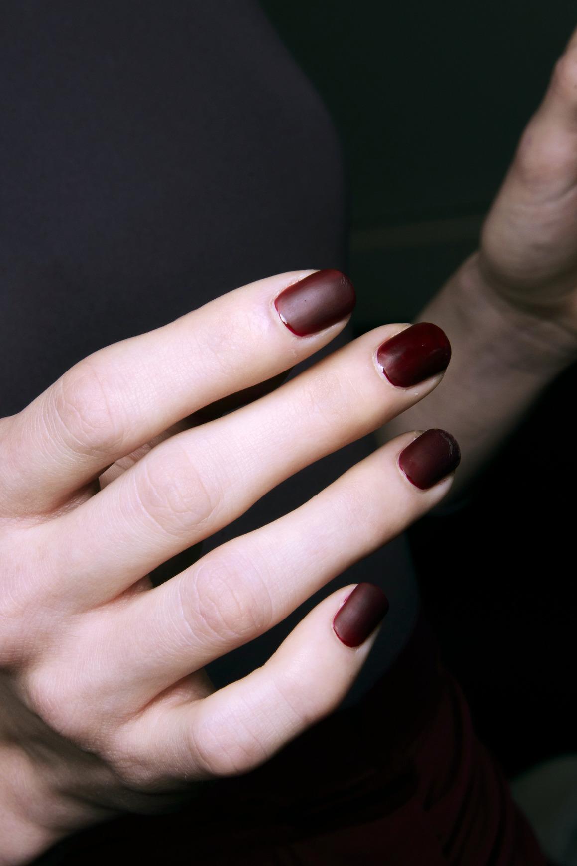 Burgundy Matte Stiletto Nails With Glossy Tips: Bordowe Matowe Paznokcie Tagliapietra