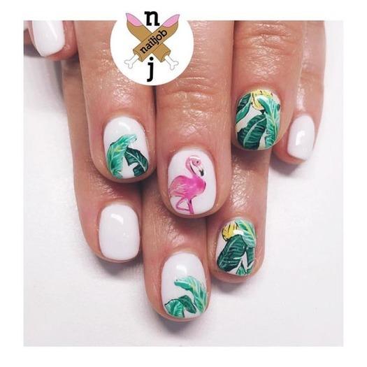 Wzór liści Montery na paznokciach