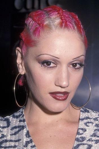 Bardzo ciemne usta Gwen Stefani