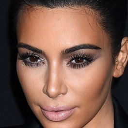 Kim Kardashian smokey eye