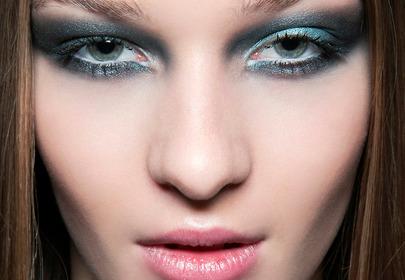 Szmaragdowy makijaż oczu – inspiracja z wybiegu Braganza