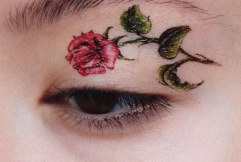 Tatuaż Naklejany Na Powieki Wizazpl