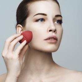 gąbeczka do makijażu beautyblender triki makijaż