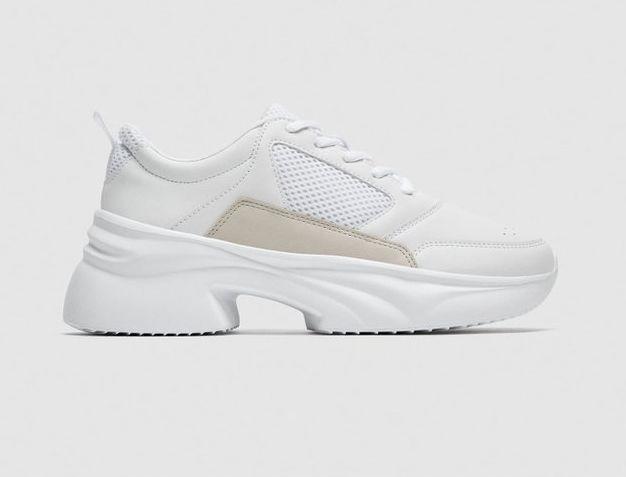białe sneakersy na platformie zara