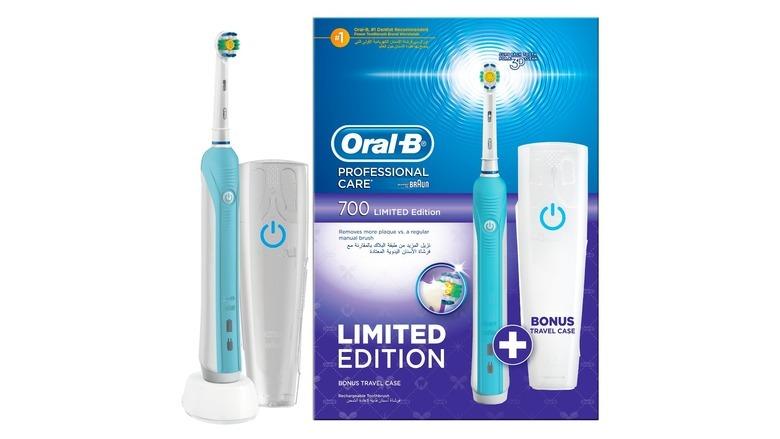 Elektryczna szczoteczka do zębów Oral-B Precision Clean 700 White