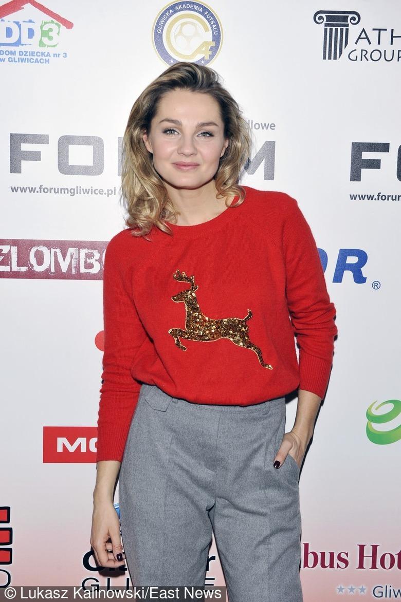 Małgorzata Socha w świątecznym swetrze