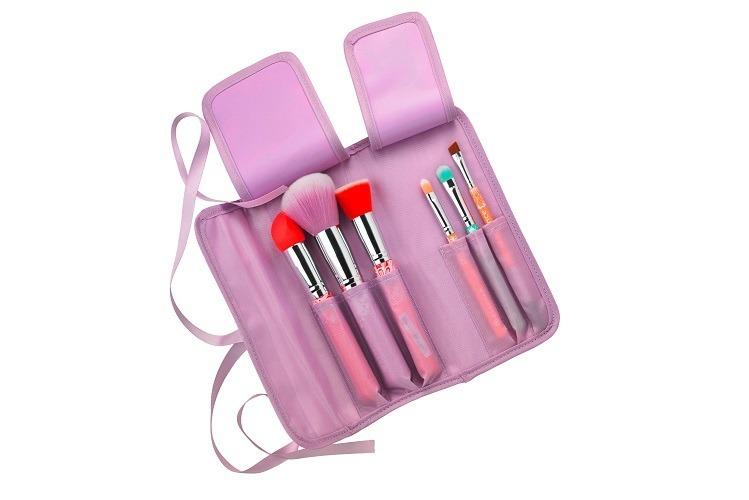 Kolorowe pędzle essence bloom me up! tools