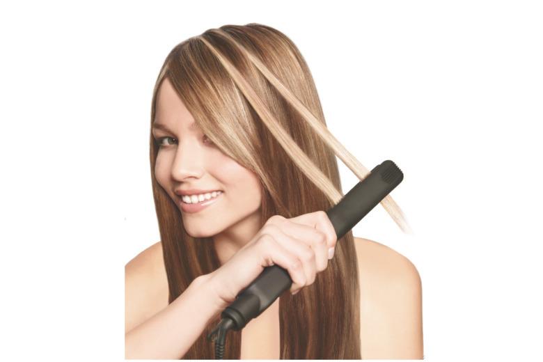 jasne refleksy na włosach
