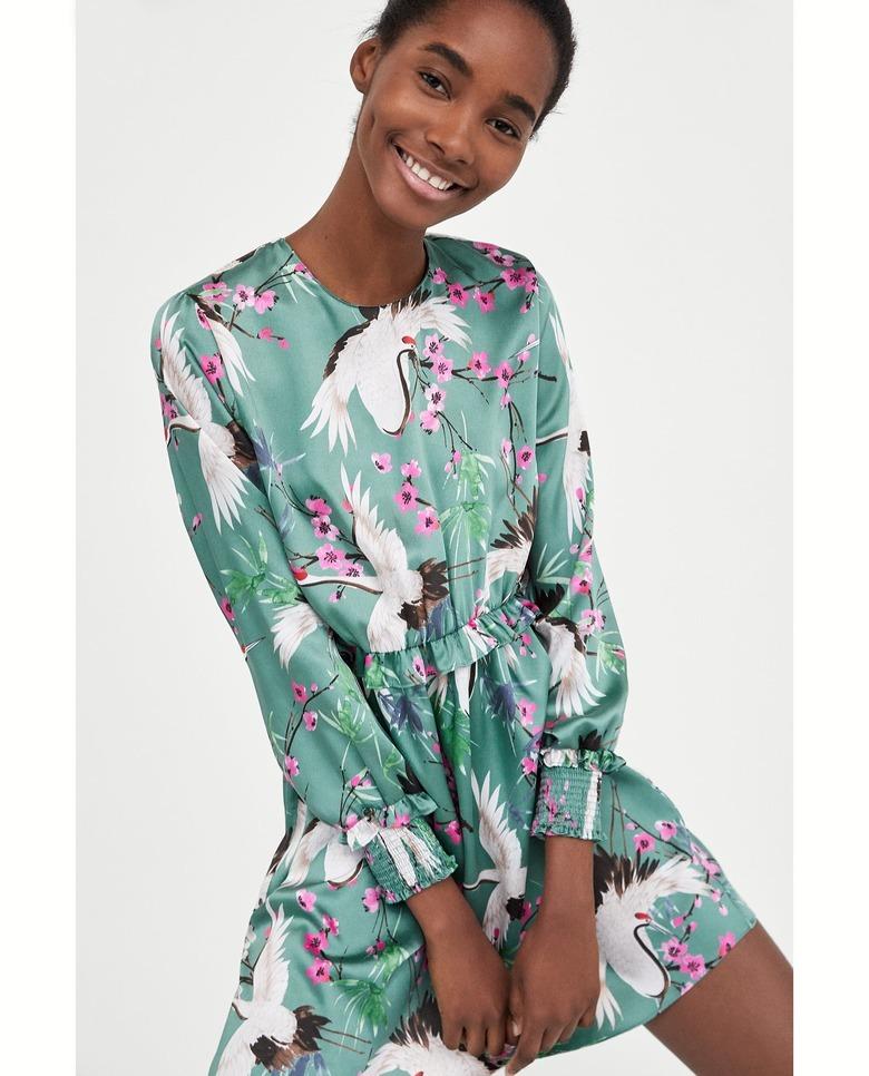 97845f4a03 Hitowa sukienka z wiosenno-letniej kolekcji Zary