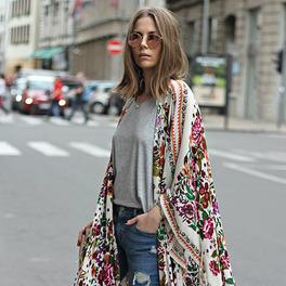 modne kimono białe w kolorowe wzory